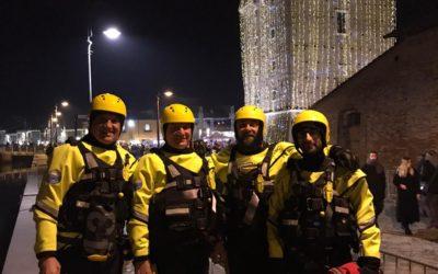 31-12-2019: i volontari del CSS al lavoro per garantire la sicurezza in darsena a Cervia durante i fuochi